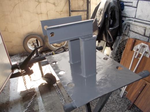 発電機の台を作成する