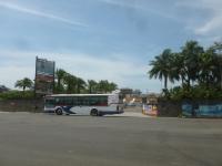 客の居ないバス発車150701