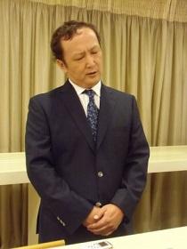 20150719困惑する谷川広報部長(TOKYO HEADLINE 7月17日記事より)