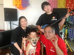 沖縄で三線体験 呼夢三線店
