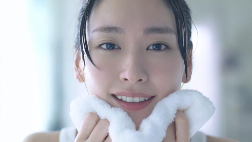 コーセー 雪肌精 化粧水仕立て石けん「明るい、すっぴん。」篇 新垣結衣