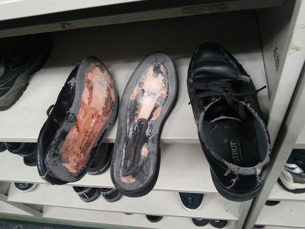 靴ぶっ壊れ