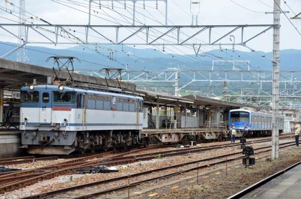 甲種輸送列車9867レ三島到着