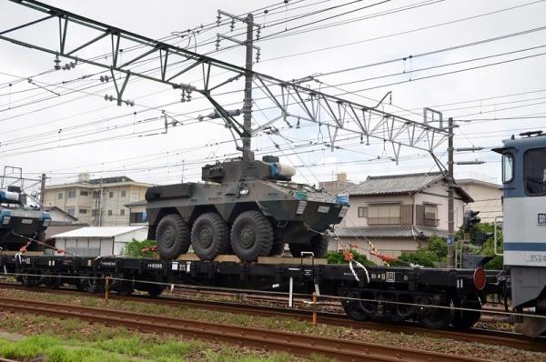 自衛隊機材輸送2015 チキ6395