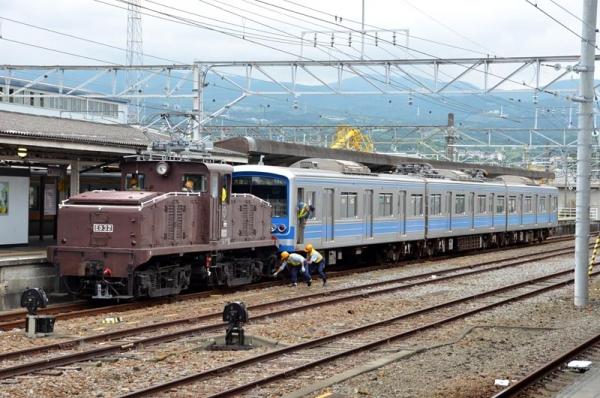 5000系電車連結完了
