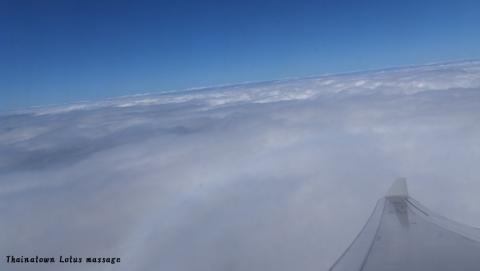 マニラの国際空港からバンコクのスワンナプーム空港へ