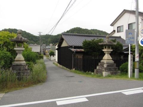 関山神社参道