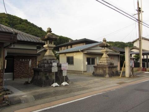 津島神社参道入口