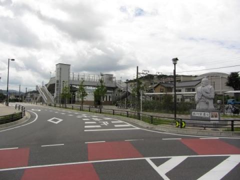藤川駅と徳川家康公像