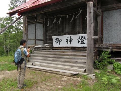 添牛内神社社殿
