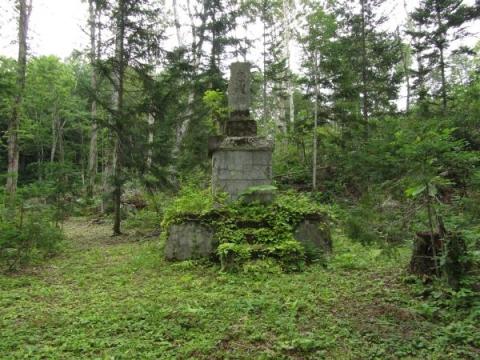 添牛内神社の忠魂碑