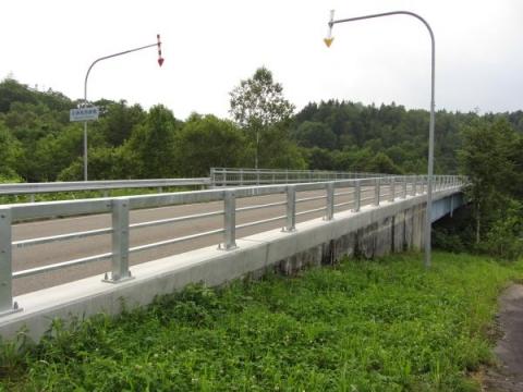 初瀬尾跨線橋