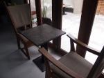 アンティーク調のテーブルセット
