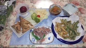 晩ご飯 アジ刺 小鰯・豆天ぷら 冬瓜煮物・サラダ