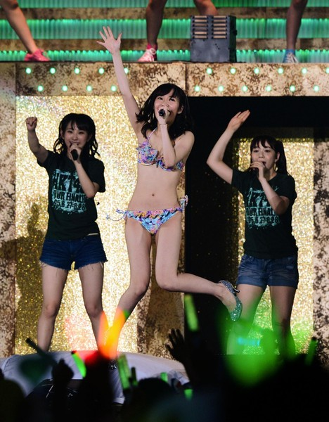 【HKT48】指原莉乃、コンサートで生着替え、ビキニ姿でライブ AKB総選挙の公約を実現5