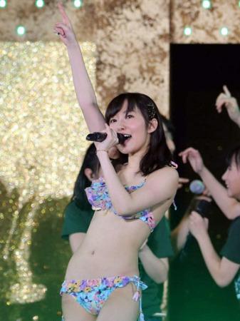 【HKT48】指原莉乃、コンサートで生着替え、ビキニ姿でライブ AKB総選挙の公約を実現2