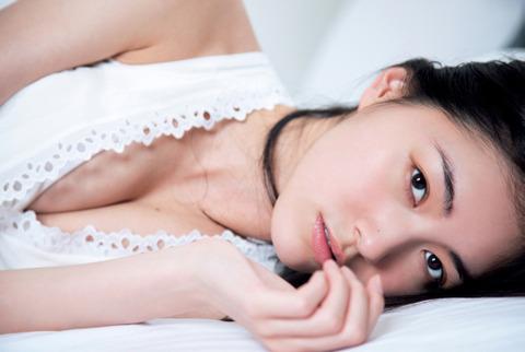 "【SKE48】松井珠理奈(18):初の写真集で大胆""手ブラ""披露 「かなり恥ずかしい」2"