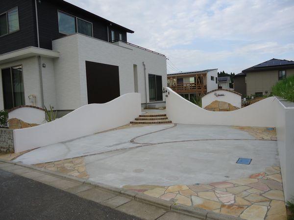 駐車場・塀の完成