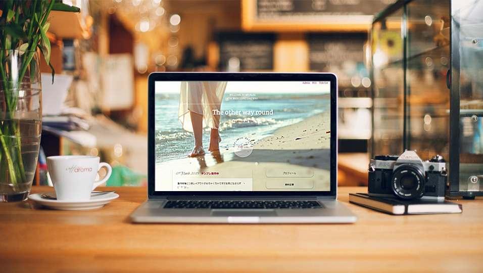 MacBook-Desk-Mockup_glass_shore.jpg