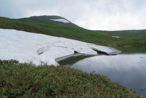泉水沼と焼石岳