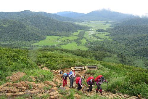 至仏山への登り
