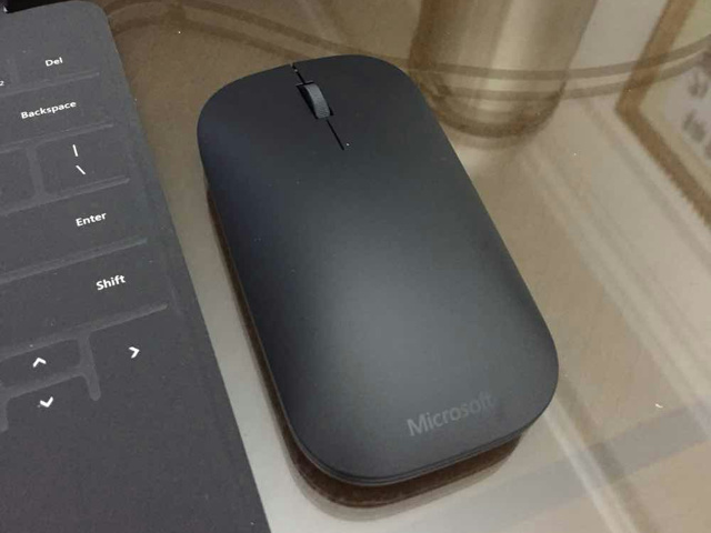 Designer_Bluetooth_Mouse_06.jpg