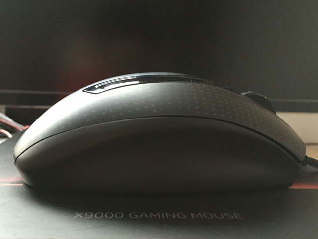 HP_X9000_OMEN_04.jpg