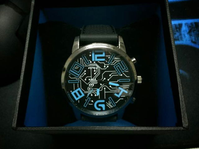 Logicool-G_Watch_03.jpg