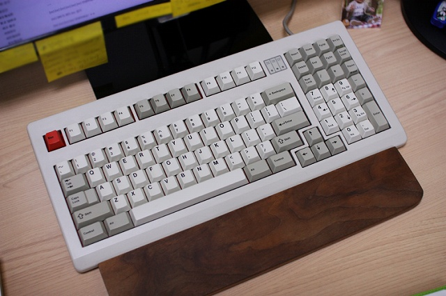 Mechanical_Keyboard_Palmrest3_21.jpg