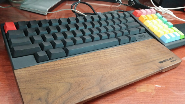 Mechanical_Keyboard_Palmrest3_24.jpg