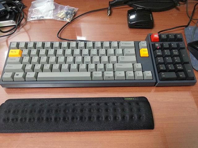 Mechanical_Keyboard_Palmrest3_41.jpg