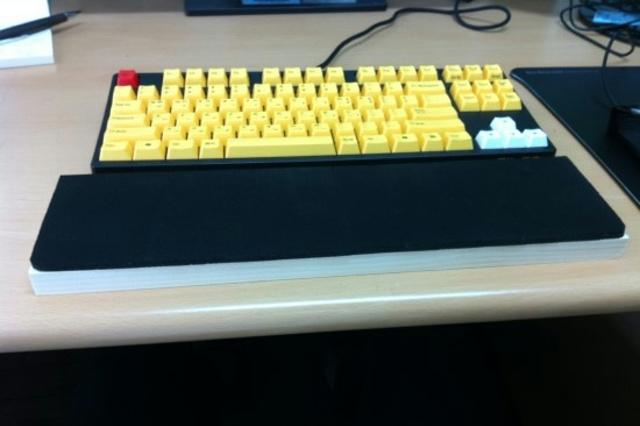 Mechanical_Keyboard_Palmrest3_62.jpg