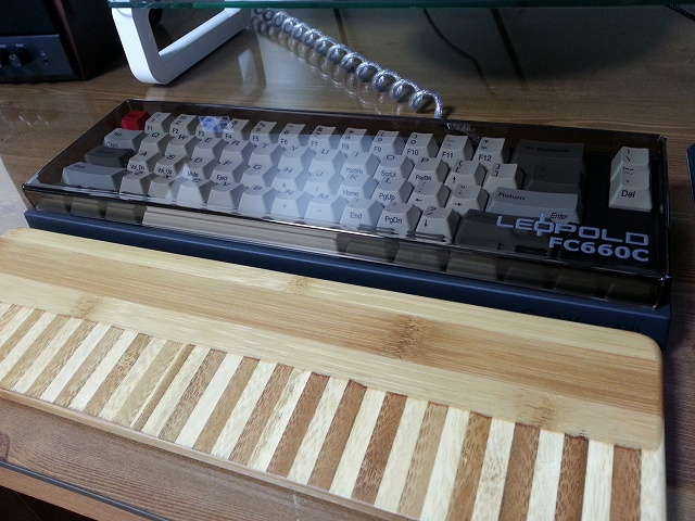 Mechanical_Keyboard_Palmrest3_69.jpg