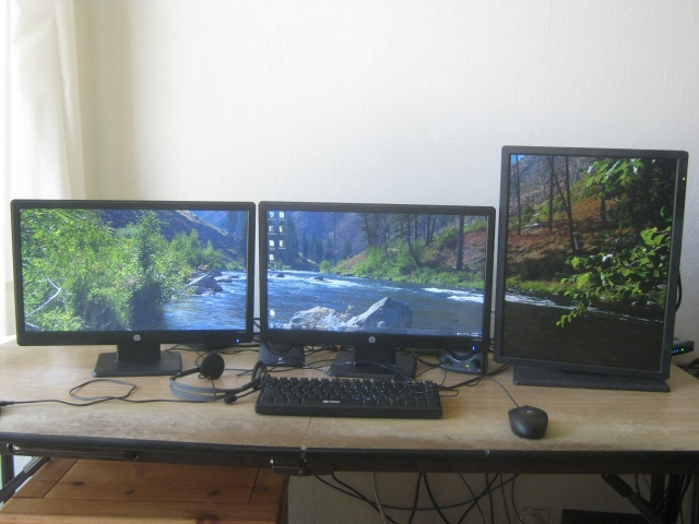 PCdesk_MultiDisplay50_11.jpg