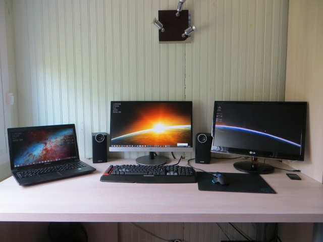 PCdesk_MultiDisplay50_44.jpg