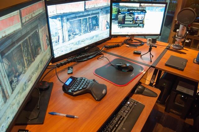 PCdesk_MultiDisplay51_90.jpg
