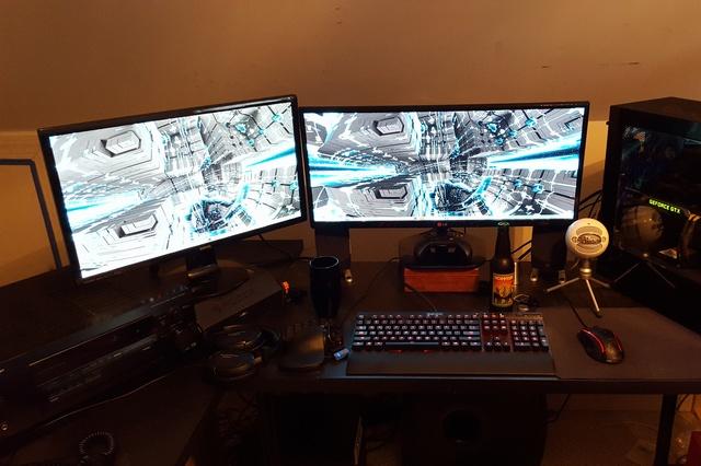 PCdesk_UltlaWideMonitor5_90.jpg