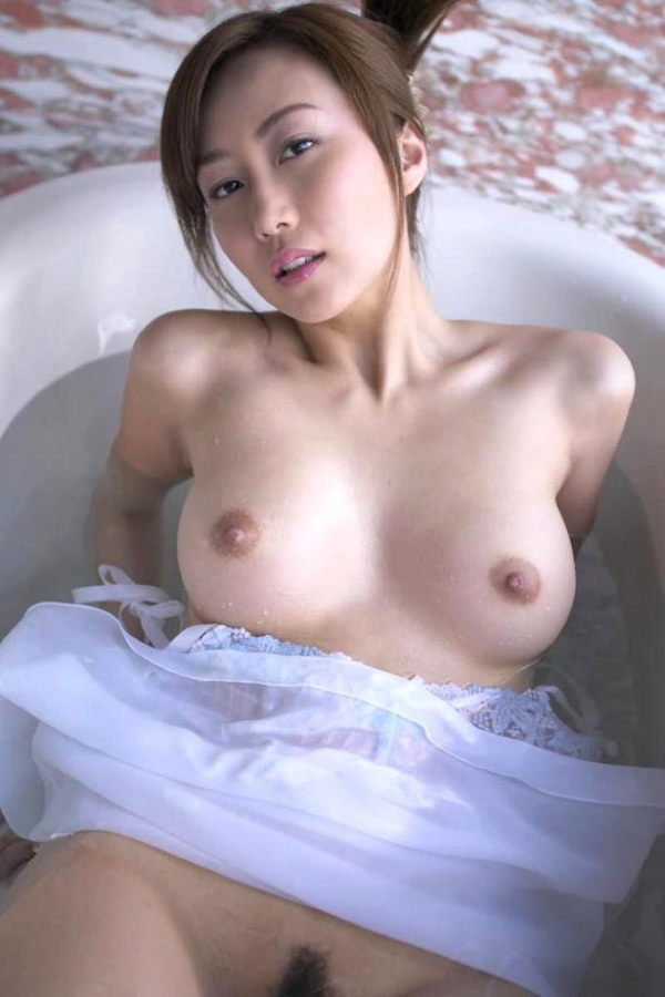 美乳画像 29