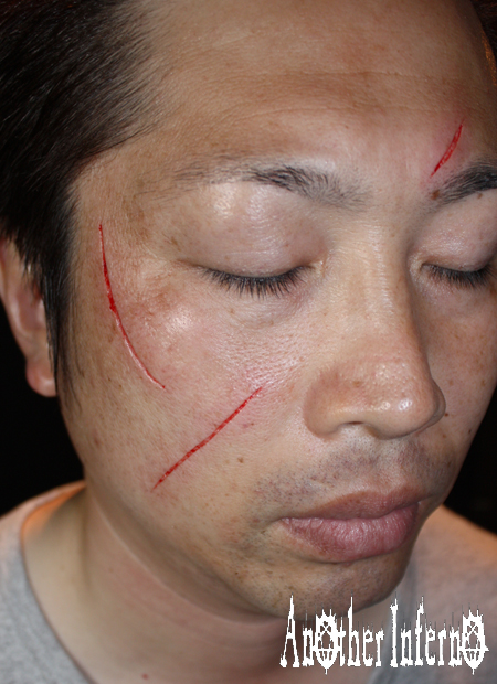 顔面 スキンリムーバル スカリフィケーション 傷跡 カッティング