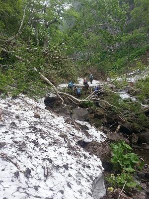 クテクン沢雪渓
