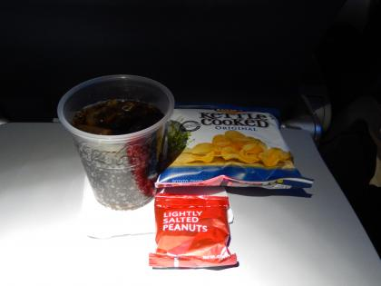 SFO+HNL2015.7デルタ航空サンフランシスコ行き・機内食