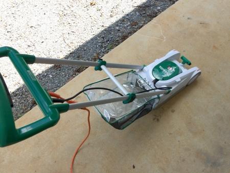 マキタの芝刈り機