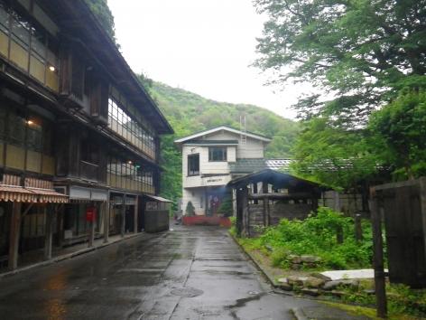 栃尾又温泉 雨 2015