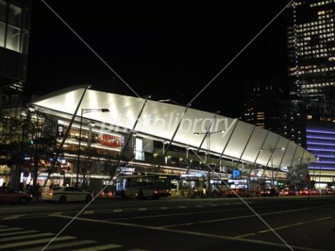 3758723 夜の東京駅八重洲口