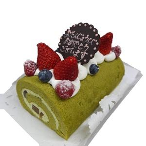 黒糖くずきり入り和の抹茶ロールケーキ