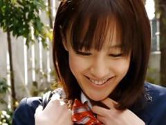 制服コスプレの彼女と横浜でデートする的な着エロ動画 渚ことみ