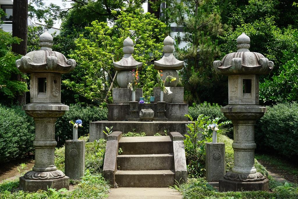 勝海舟の墓