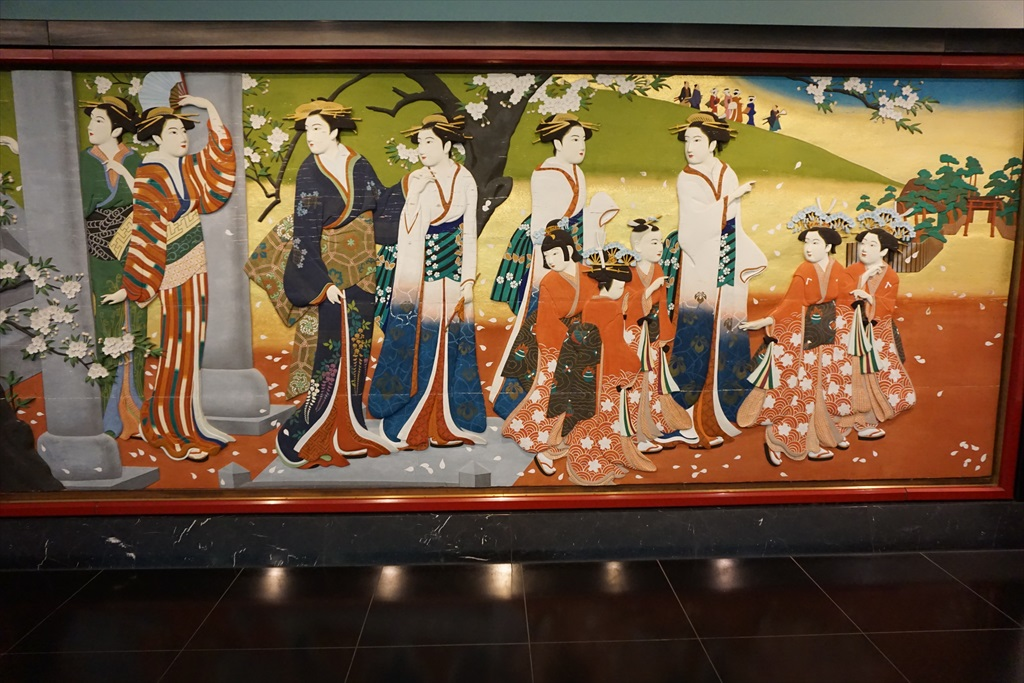 回廊を飾る見事な画_3