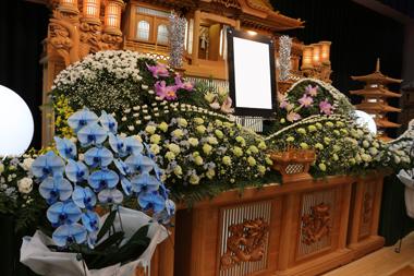 大きな花祭壇「誠」2