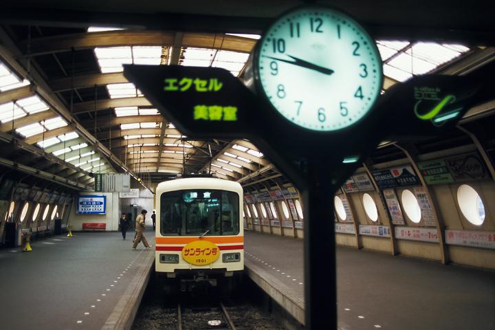 6211江ノ電_150形_藤沢駅